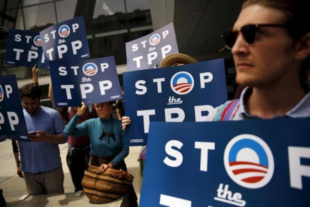 tpp-protest-obama