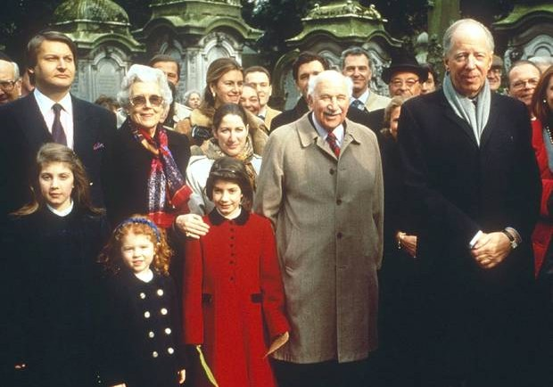 rothschild-family-620x434